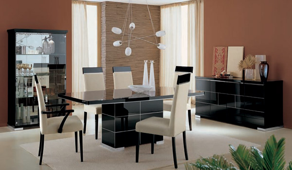 Contemporary Black high gloss furniture EM Italia : Sandra dining table set from emitalia.co.uk size 600 x 349 jpeg 69kB