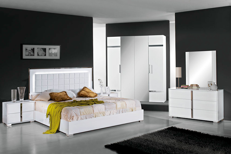Elite white high gloss bedroom furniture set 5. White high gloss bedroom furniture   White high gloss furniture