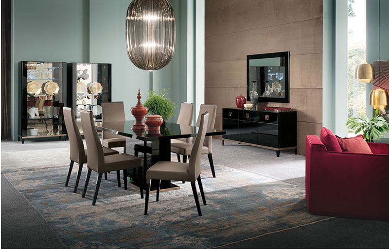 Black-high-gloss-dining-room-furniture