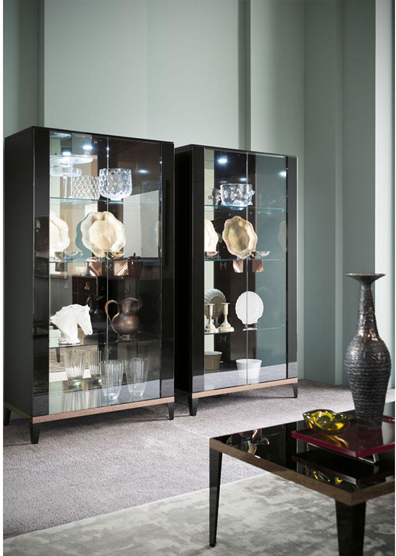 black-high-gloss-glass-display-cabinet