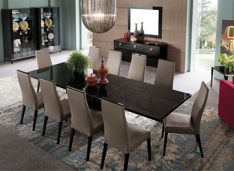 Sandra Black High Gloss Dining Table And Chairs