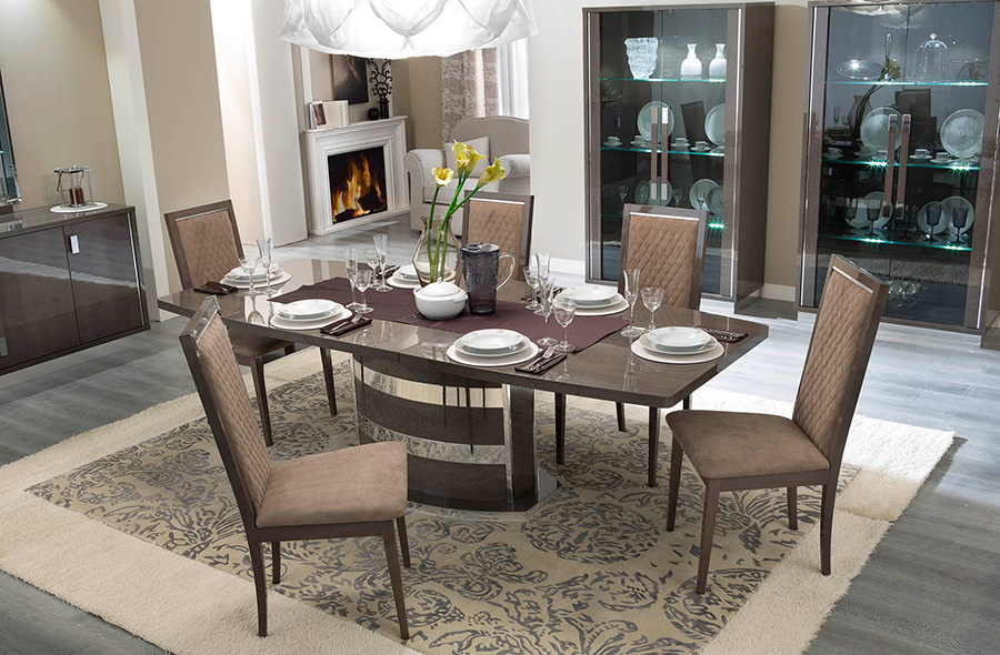 contemporary-italian-dining-table-and-chairs