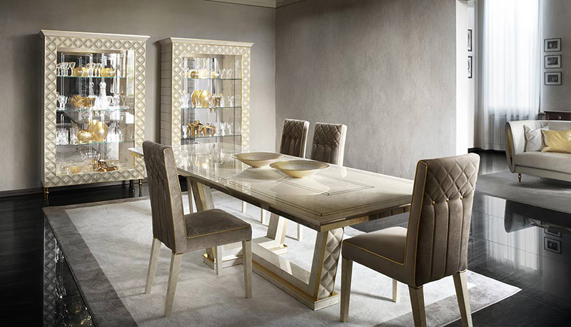 Classic Italian Dining Table And Chairs