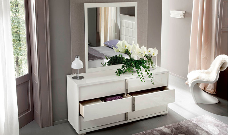 white-high-gloss-bedroom-furniture-dressing-table